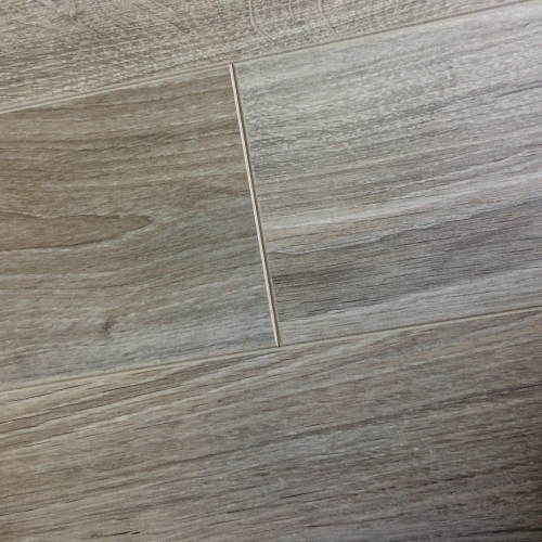 Chene laminate new york oak 8mm packs for Laminate flooring york