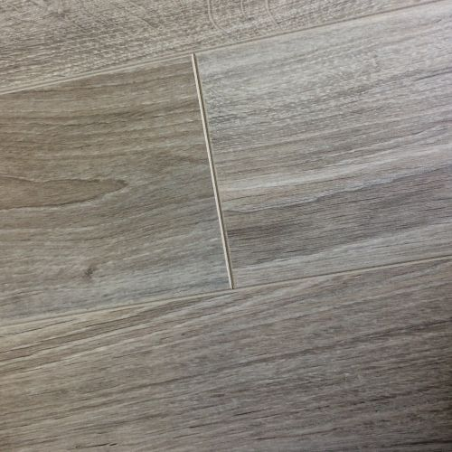 Chene Laminate - New York Oak 8mm - 2.13m2 Packs