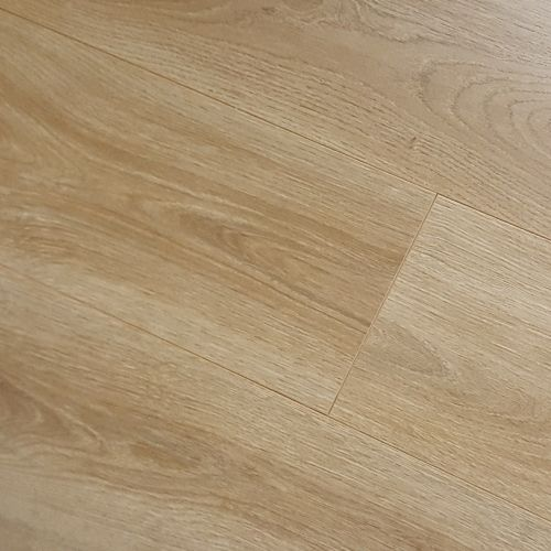Superior 7mm Laminate - Summer Oak Nature - 2.39m2 Packs