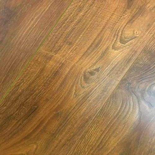 Vintage Embossed - Handscraped Oak Golden 12mm - 1.905m2 Packs